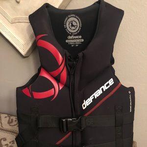 Like new Defiance life jacket!
